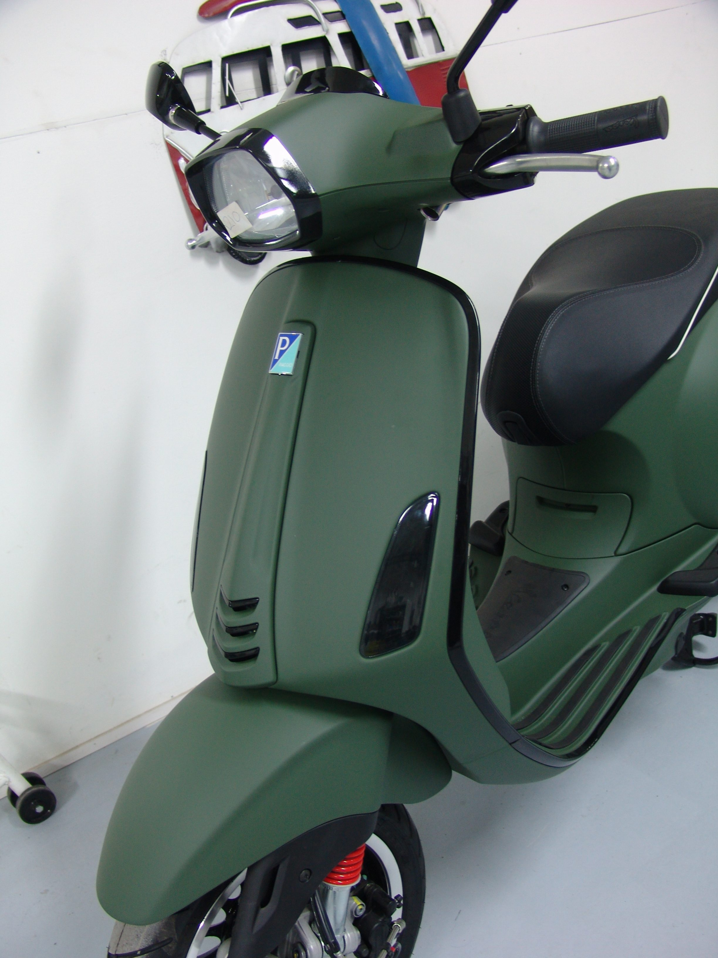 Ongebruikt Vespa sprint custom mat groen - rsnv GM-22
